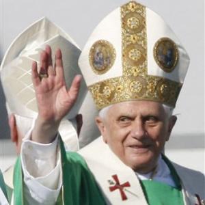 Фото №1 - О жизни Папы Римского расскажет его кот