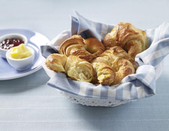 Рогалики на маргарине можно готовить с разными начинками