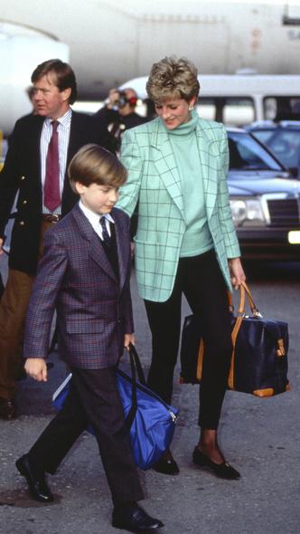 Фото №6 - Королевский кэжуал: как Диана носила объемные пиджаки