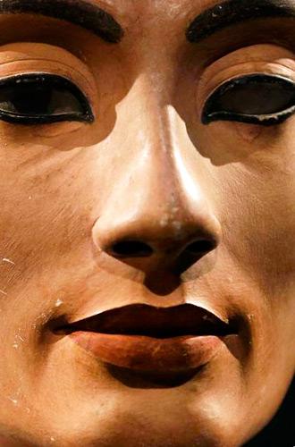 Фото №4 - Красная помада: прошлое и настоящее самого знаменитого make-up средства в истории