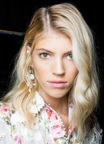 Фото №12 - 11 трендов макияжа весны-лета 2018 с недели моды в Нью-Йорке