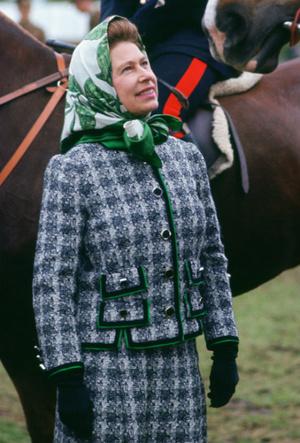 Фото №6 - Давняя привязанность: история одной модной страсти Королевы