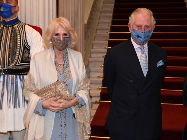 Фото №3 - Браслет «от сглаза» и загадочные цифры: секреты любимых украшений герцогини Камиллы