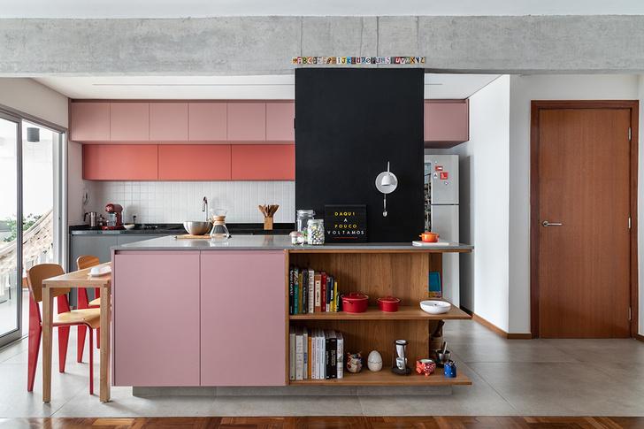 Фото №2 - Бетонная квартира с розовыми акцентами в Сан-Паулу