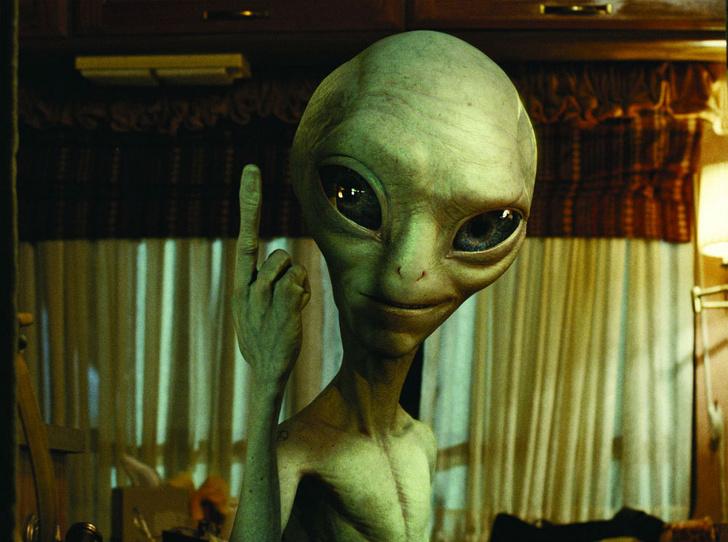 Фото №1 - 7 атмосферных фильмов о пришельцах, которые хотят захватить мир