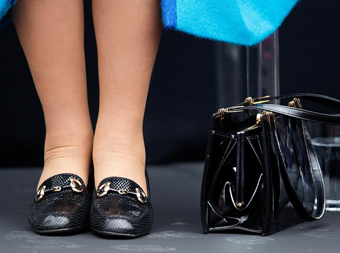 Фото №2 - Как отличить Королеву: каблук 5 см, сумка Launer, яркое пальто и никаких брюк