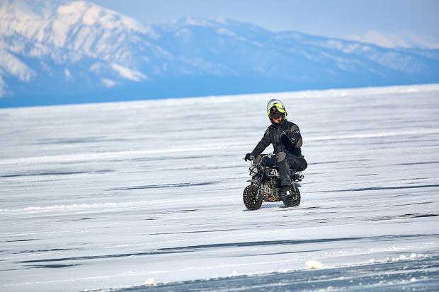 Фото №8 - Полегче на поворотах: как правильно ездить по льду