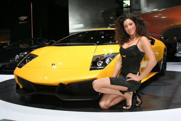 Фото №1 - Лучшие девушки с автомобильных салонов