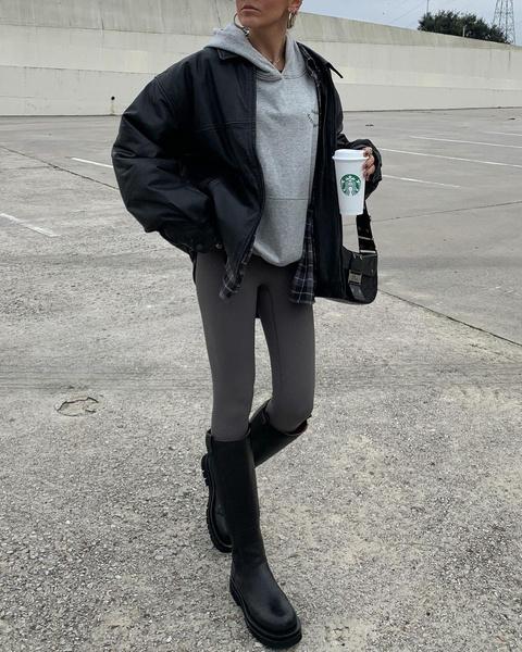 Фото №1 - 5 способов носить леггинсы этой весной: как не выглядеть так, будто ты забыла переодеться с физ-ры