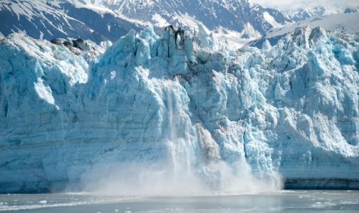 Фото №1 - Ученые нашли в пробах древнего льда 28 неизвестных вирусов