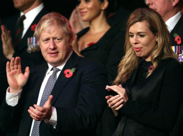 Фото №3 - Британский хэппи-энд: Борис Джонсон и Кэрри Симондс помолвлены и ждут ребенка