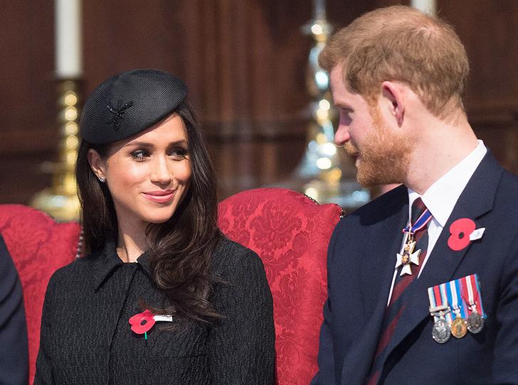 Фото №1 - Почему принц Гарри поторопился со свадьбой (и дело не только в любви)