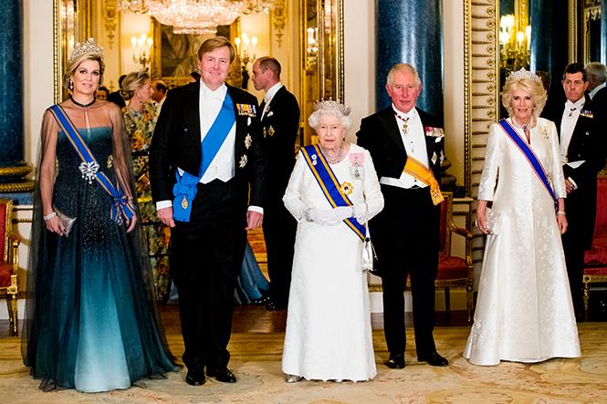Фото №3 - Парад тиар в Букингемском дворце (и самая большая – у королевы Максимы)