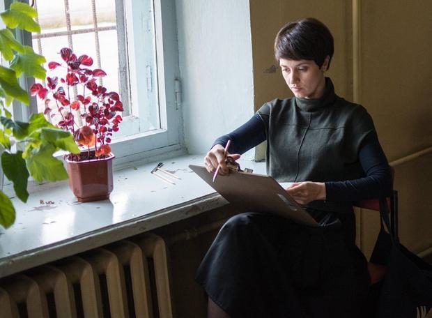 Фото №2 - MAXIM рецензирует «Простой карандаш»— российский фильм о трудных подростках и трудных учителях