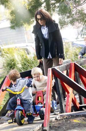Фото №36 - «Деревянные игрушки»: во что играют дети королей