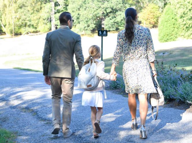 Фото №3 - Как принцесса Эстель провела свой первый день в школе