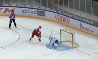 Самый издевательский буллит нового сезона КХЛ (противоречивое видео)