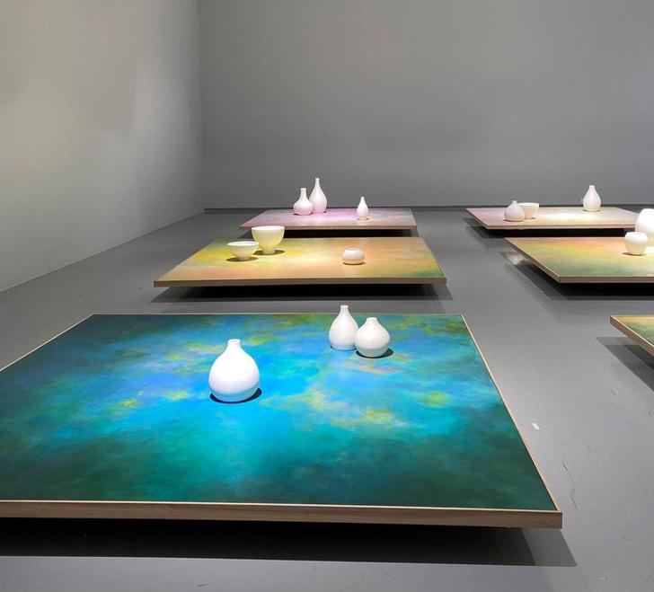 Фото №1 - «Откровение чудесного пруда»: выставка Паруйра Давтяна в МАММ