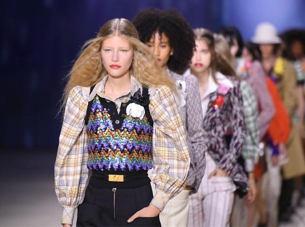 Фото №2 - Louis Vuitton открыл Pop Up магазин в Санкт-Петербурге