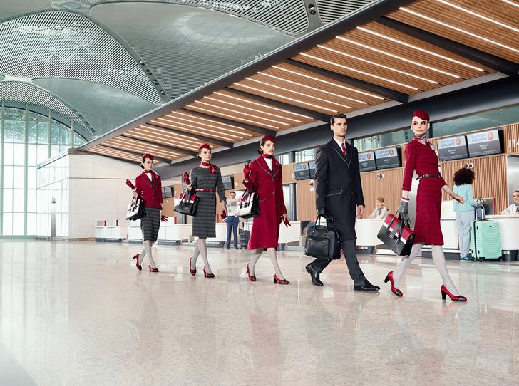 Фото №2 - Высокая мода: стюардессы Turkish Airlines получили дизайнерскую униформу