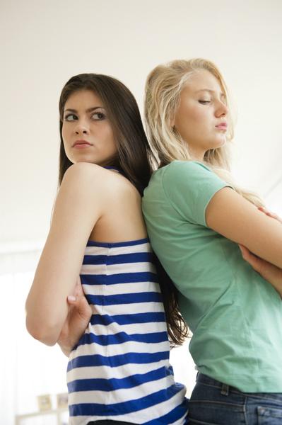 Фото №1 - Вопрос дня: Мы с ЛП вместе снимаем квартиру. И постоянно ссоримся. Как быть?