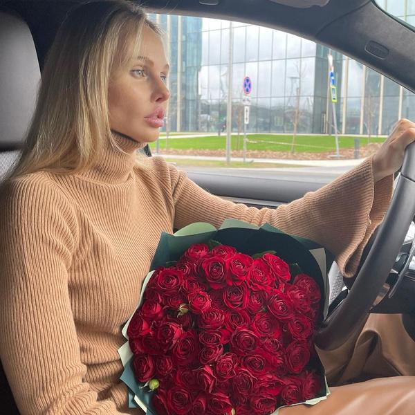 Фото №3 - Алана Мамаева раскритиковала роман экс-супруга и напомнила, как его любовница советовала «все выжать из Павла»