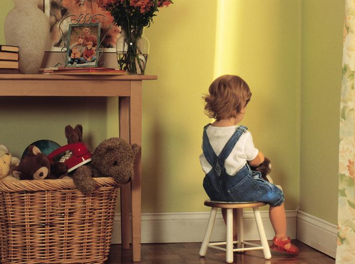 Фото №1 - «Я ставлю ребенка в угол, это нормально?»