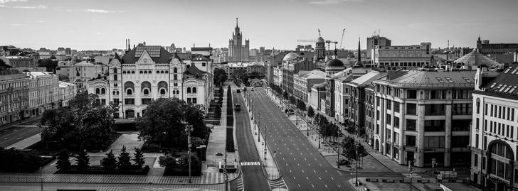 Фото №2 - «Пустая Москва»: фотовыставка о городе во время пандемии