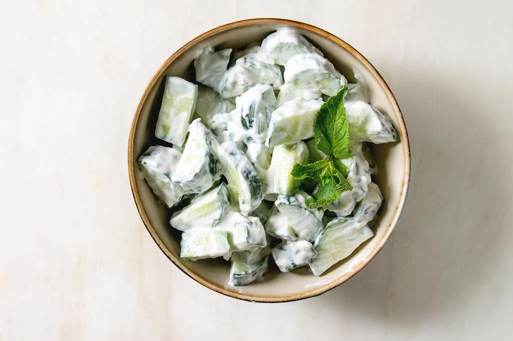 Салат из огурцов: пошаговый рецепт