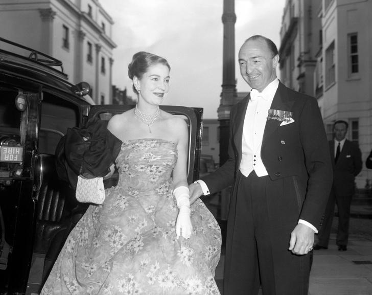 Фото №6 - «Современная Мата Хари»: как 19-летняя танцовщица крутила романы с британским министром и советским шпионом одновременно