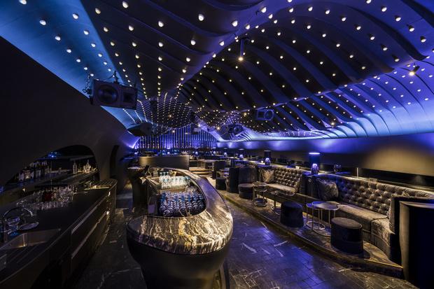 Фото №8 - Ночной клуб Sechser в Вене