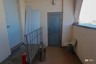 Вход в жилую часть помещения