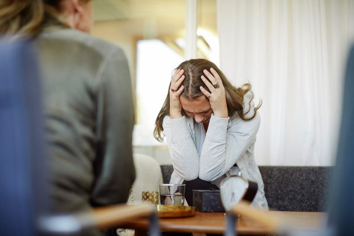 Фото №2 - Как обиды на маму влияют на отношения с мужем