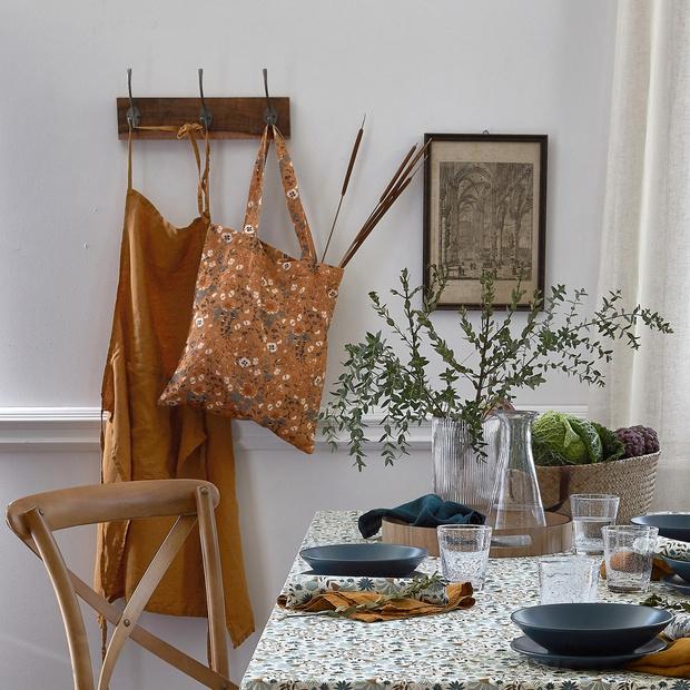 Фото №10 - Модные фартуки и текстиль для кухни