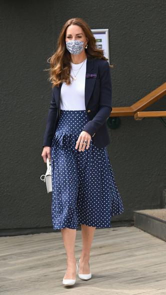 Фото №3 - Идеальный деловой образ: простой модный рецепт от герцогини Кейт
