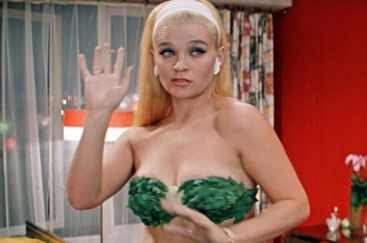 Фото №2 - Светлана Светличная и другие секс-символы советского кино