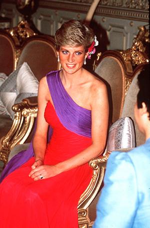 Фото №67 - 70 красных нарядов: как принцесса Диана носила любимый цвет