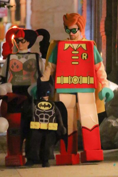 Сын Джессики Бил и Джастина Тимберлейка в костюме Бэтмена.
