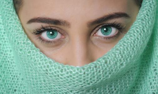 """Фото №1 - Офтальмолог рассказала, что такое """"выцветшие глаза"""" и возможно ли изменить их природный цвет"""