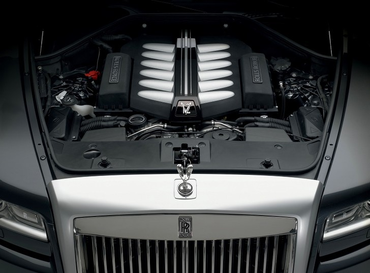 Фото №2 - Классовые различия: любительский тест-драйв Rolls-Royce Ghost