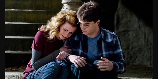 Фото №6 - «Гарри Поттер»: 9 сцен, которые доказывают, что Гарри и Гермиона соулмейты