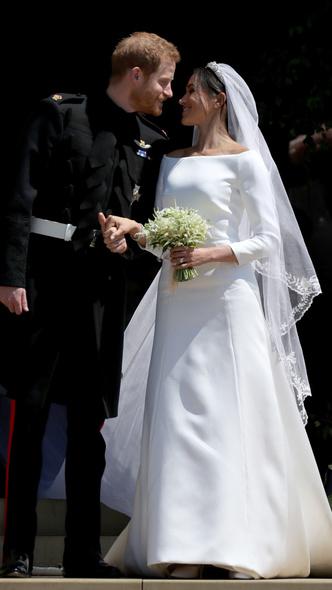 Foto #6 - De la Elisabeta a II-a la Printesa Beatrice: in ce pantofi s-au casatorit printesele