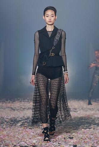 Фото №8 - Искусство танца в новой коллекции Dior SS 2019