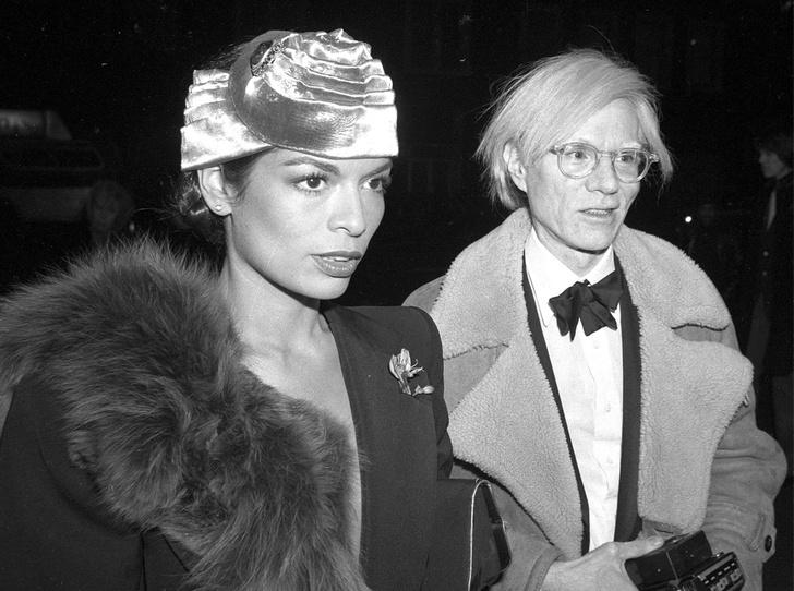 Фото №1 - Музы художника: 5 любимых женщин Энди Уорхола