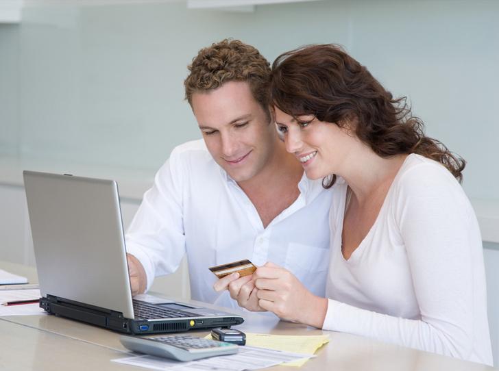 Фото №2 - Вы, он и деньги: как обсуждать финансы без вреда для отношений