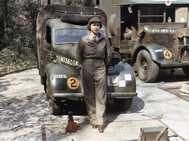 Фото №1 - Принцесса-водитель: как Елизавета служила своей стране во время войны