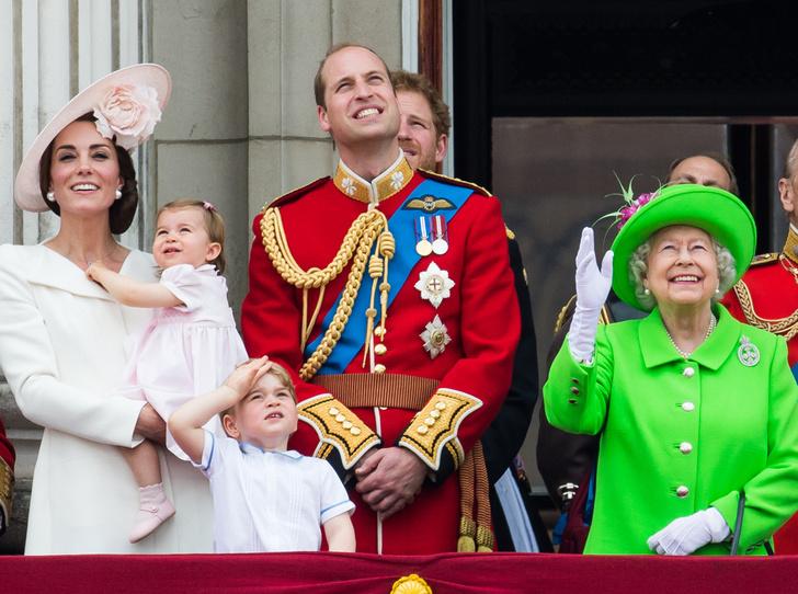 Фото №1 - Trooping the Colour: что нужно знать об официальном дне рождения британской королевы