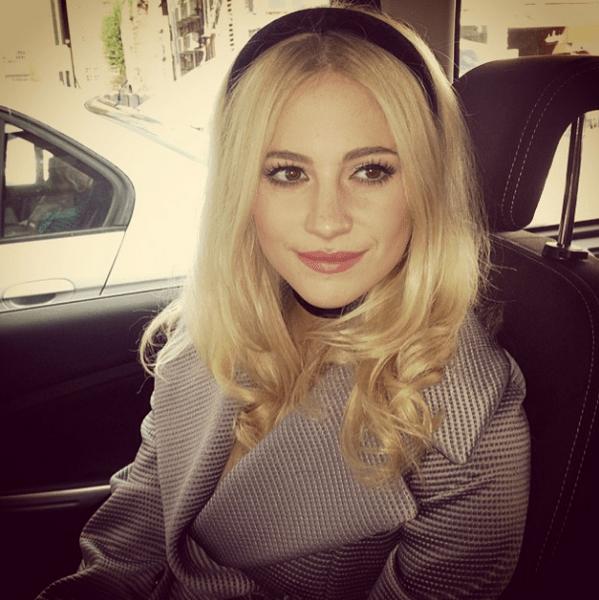 Фото №29 - Звездный Instagram: Селфи в машине