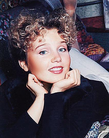 Фото №6 - Назад в 90-е: фиолетовые челки и лосины Чеховой, Салтыковой и других звезд