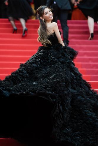 Фото №12 - Модные Канны-2019: лучшие звездные образы в четвертый день кинофестиваля